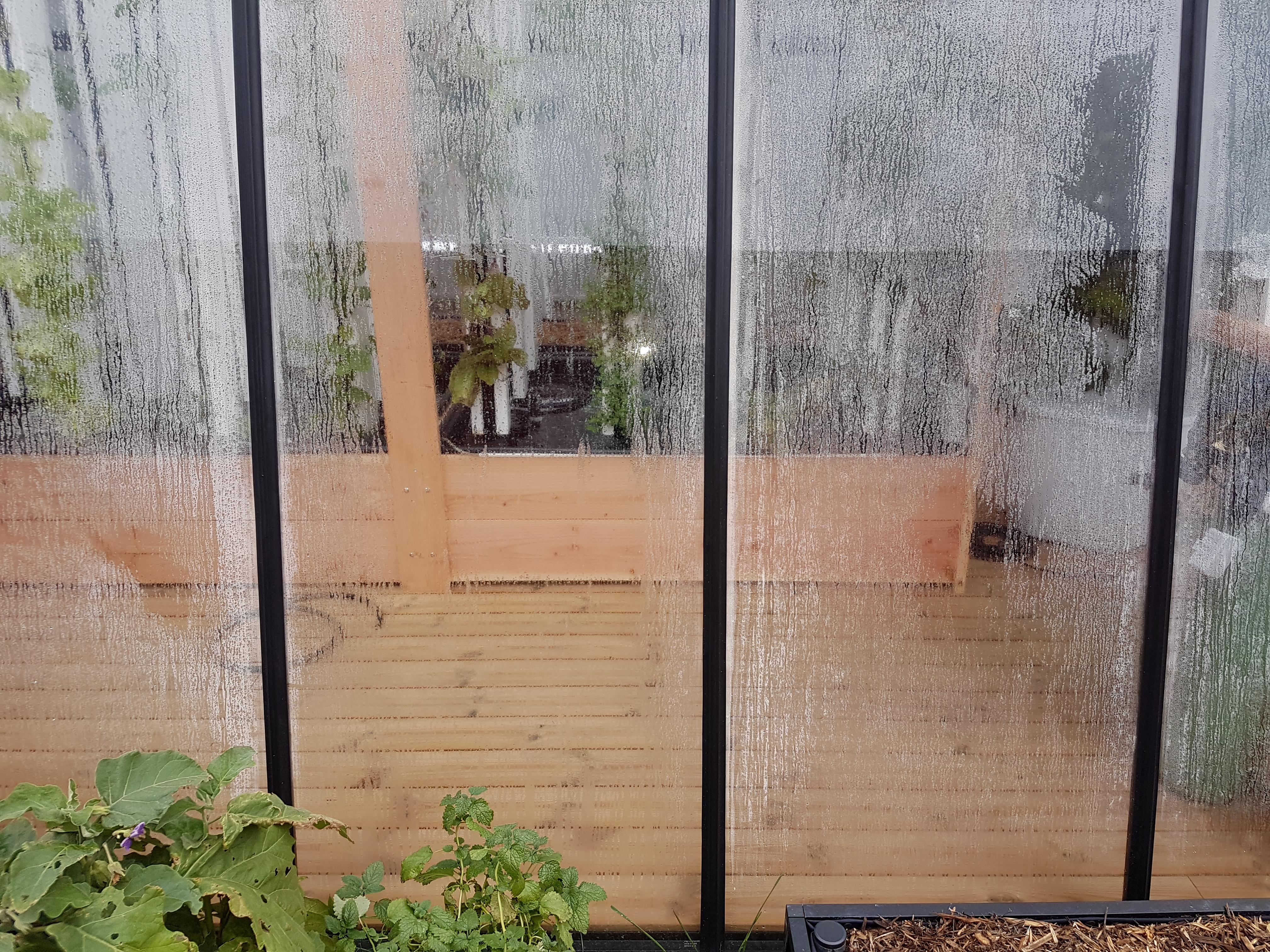 Application du film anti-condensation