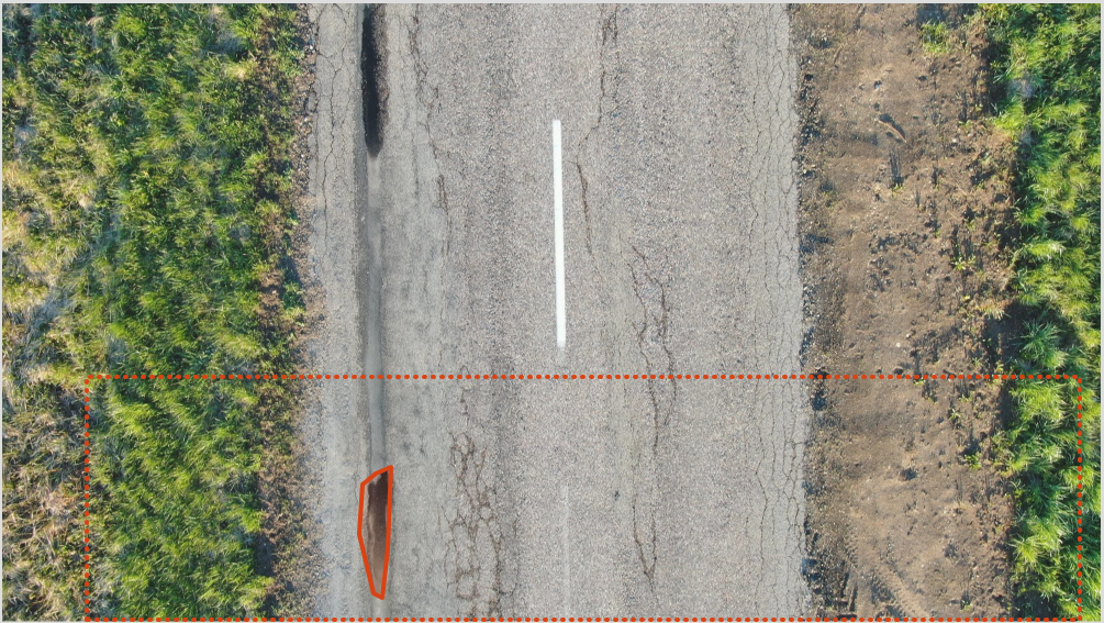 **Bad** - Not all big cracks have annotations within the background.